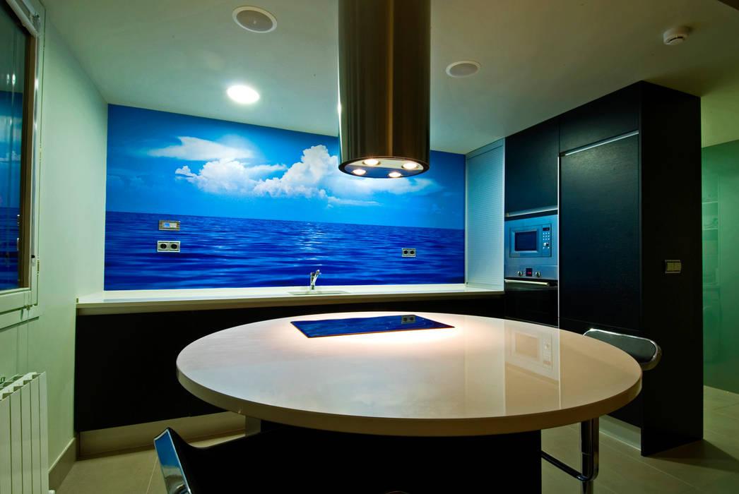 Estudio TYL Modern style kitchen