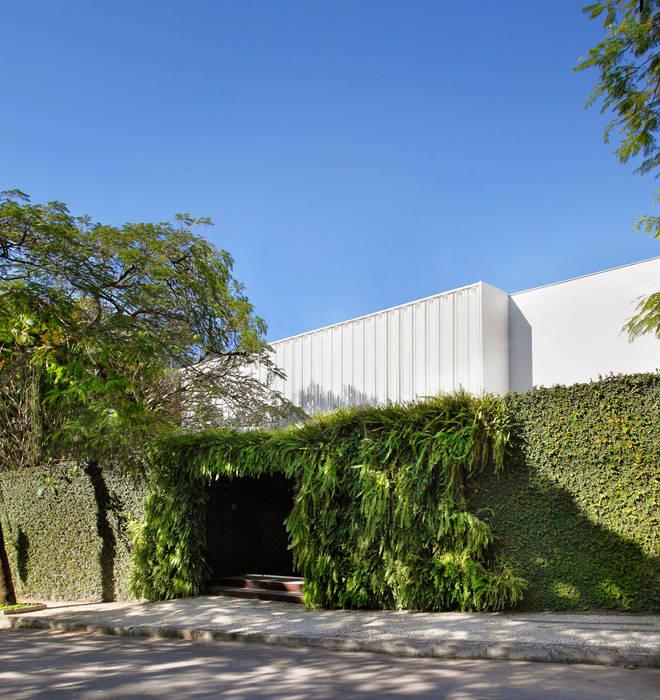 Casas de estilo  por Gisele Taranto Arquitetura , Moderno