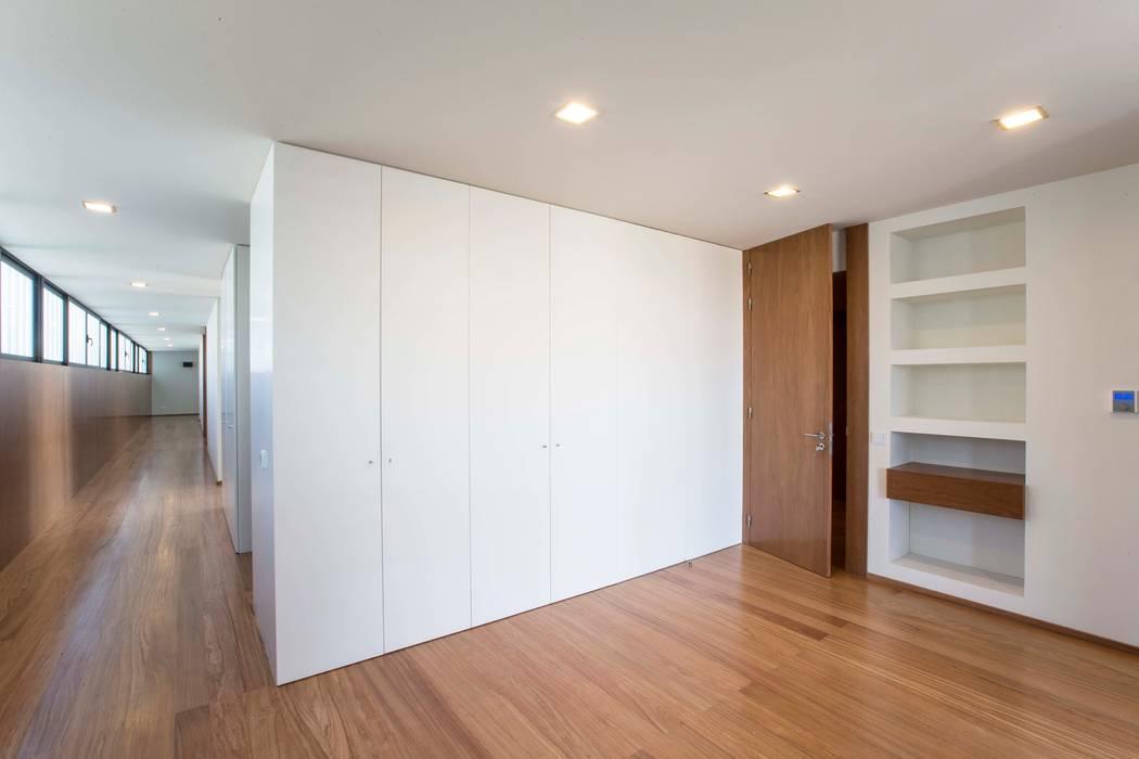 Atelier d'Arquitetura Lopes da Costa Modern walls & floors