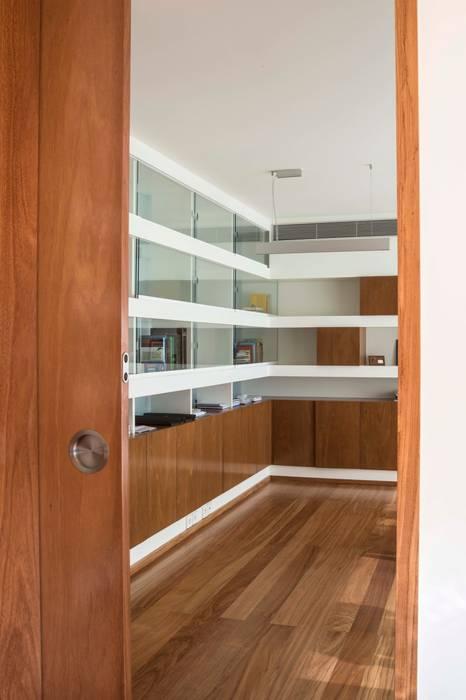 Atelier d'Arquitetura Lopes da Costa Modern windows & doors