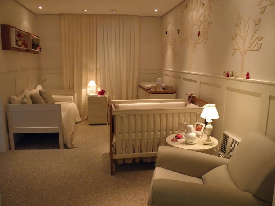 Dormitorios de bebé de estilo  por Lígia Bisconti, Moderno