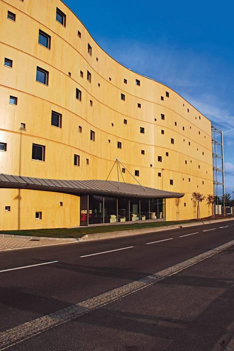 HOTEL 4* Roissy - Charles de Gaulle Hôtels modernes par THE GALLERY LL Moderne