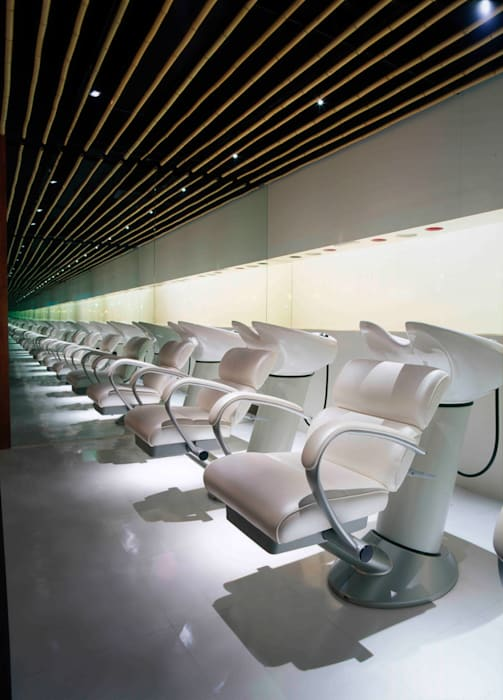 Shampoo area: Shigeo Nakamura Design Officeが手掛けたオフィススペース&店です。