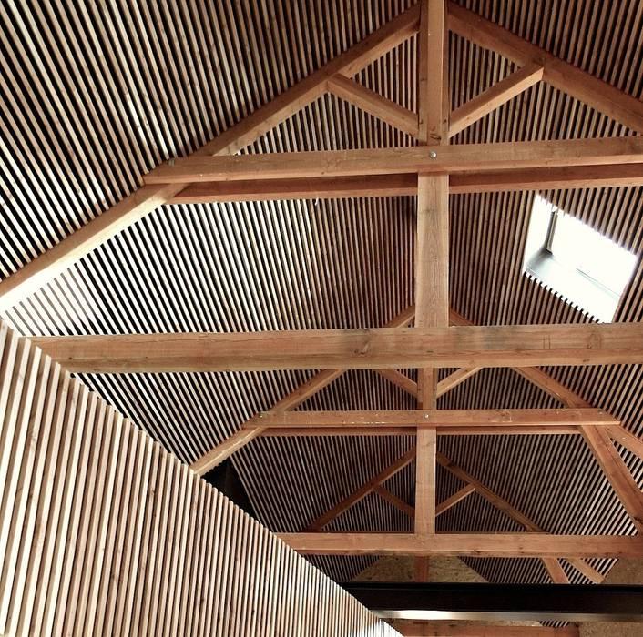 Salle de réception à Chauffailles Centre d'expositions modernes par Gerald Lafond architecte Moderne