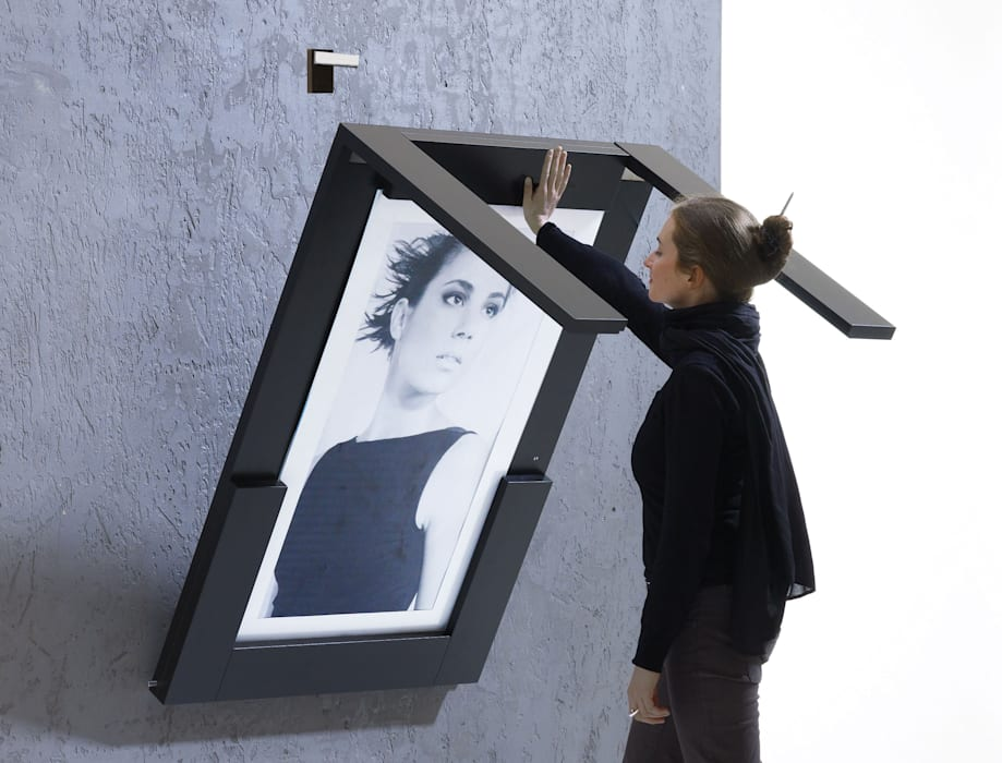 Picture Table can be easily folded down in 2 seconds:  Küche von IvyDesign