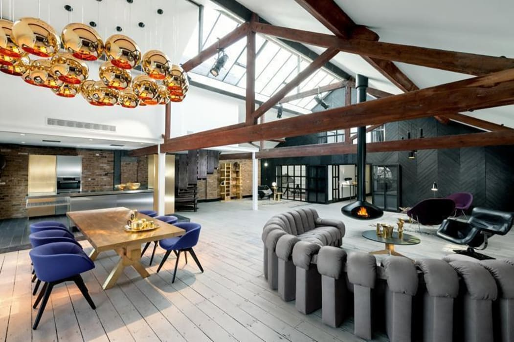 Open Plan Dining & Living Area Industrial style dining room by Perfect Integration Industrial
