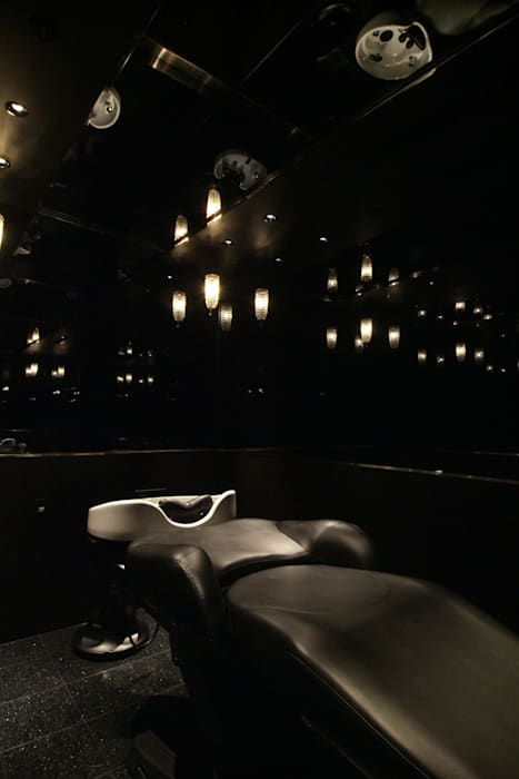 Head Spa Room の Shigeo Nakamura Design Office ミニマル