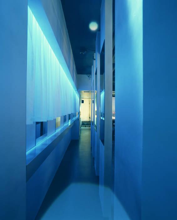 Entrance-2 の Shigeo Nakamura Design Office モダン