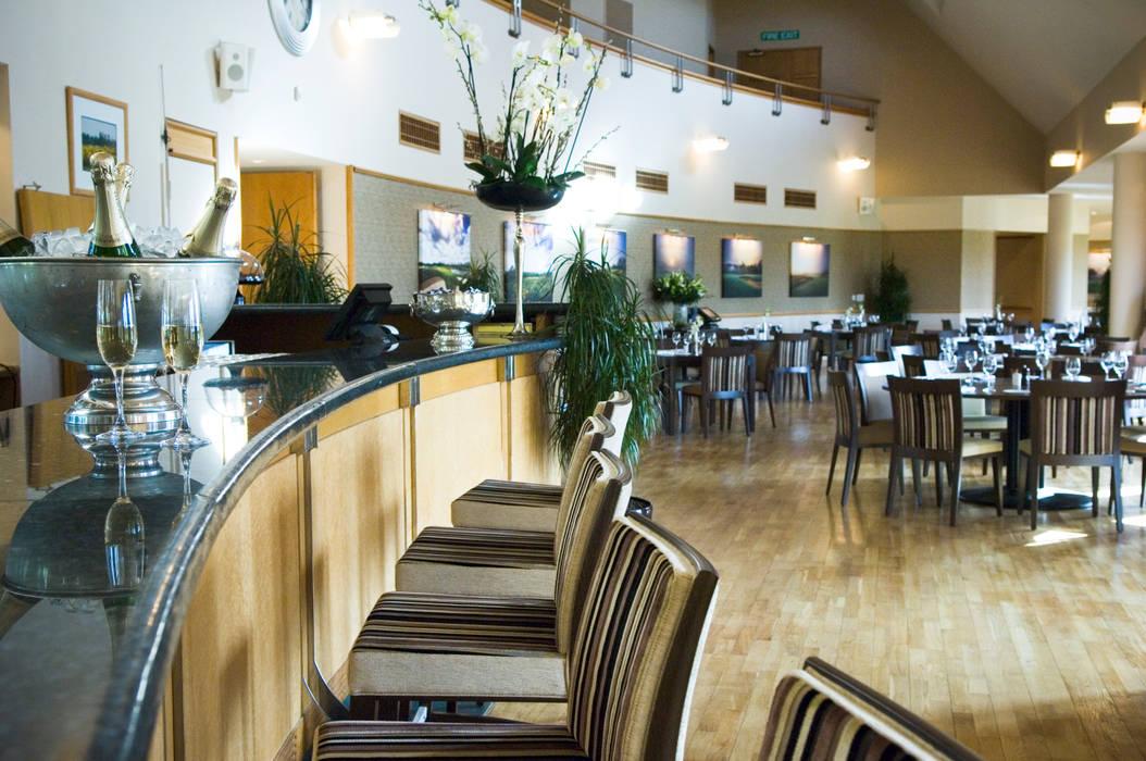 Clubhouse Bar Modern gastronomy by David Hales Interior Design Modern