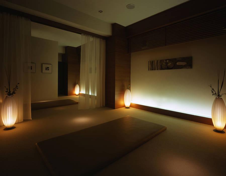 Massage area-1 クラシカルな病院 の Shigeo Nakamura Design Office クラシック