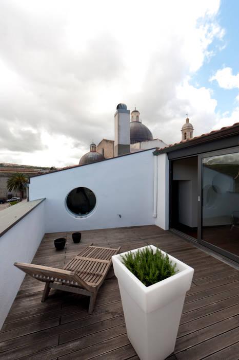 Officina29_ARCHITETTI Moderner Balkon, Veranda & Terrasse
