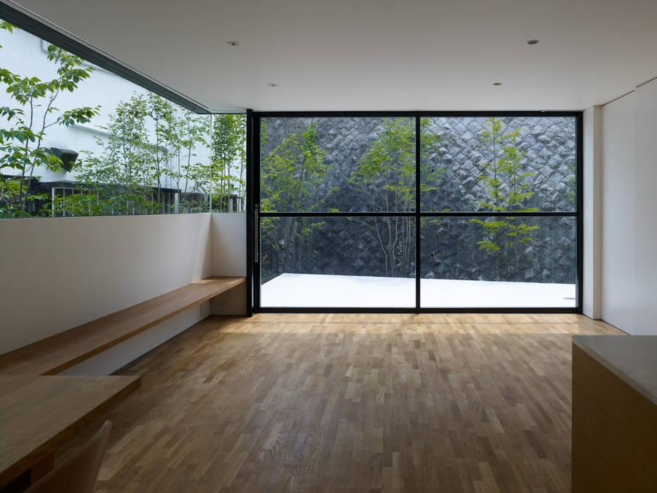 梅ヶ丘の家 モダンデザインの リビング の 栗原隆建築設計事務所 モダン