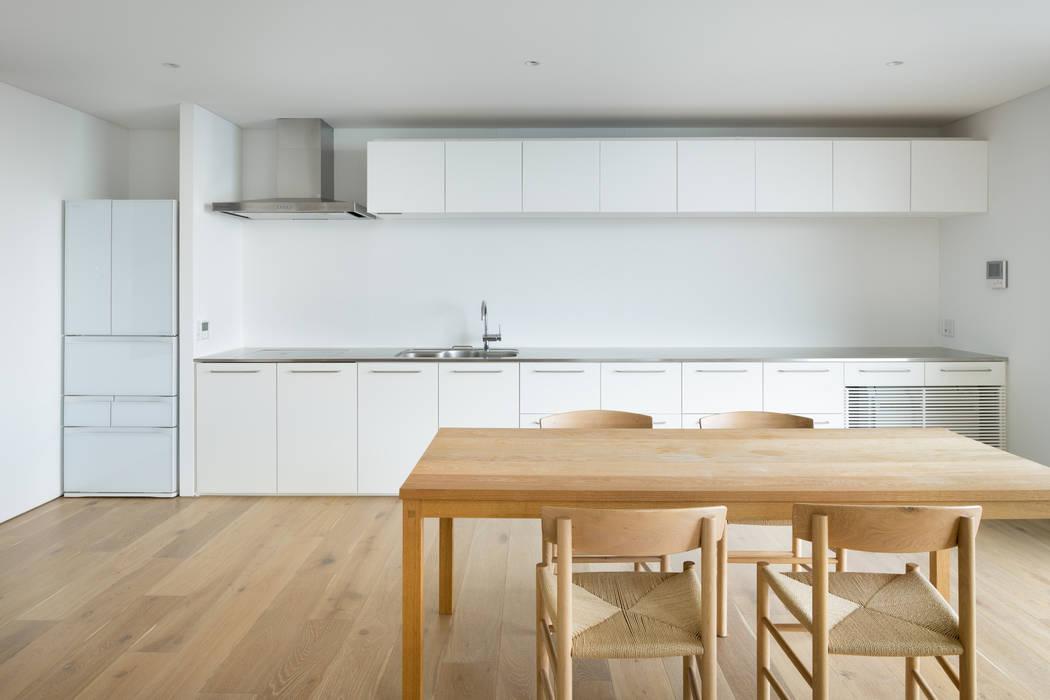 横須賀の家: 栗原隆建築設計事務所が手掛けたキッチンです。