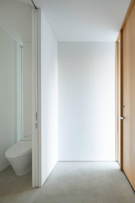 横須賀の家: 栗原隆建築設計事務所が手掛けた浴室です。