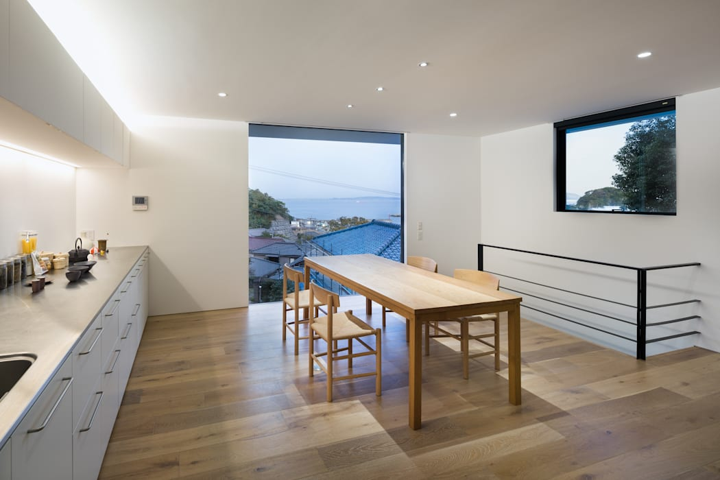 横須賀の家 モダンデザインの ダイニング の 栗原隆建築設計事務所 モダン