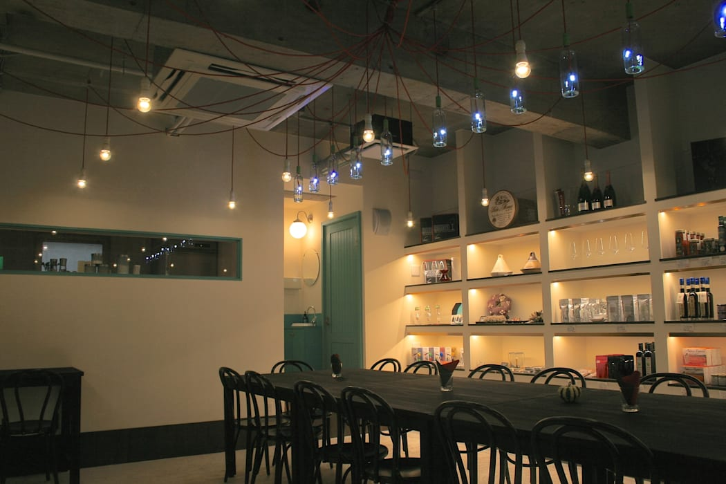 多目的ホール-3: Shigeo Nakamura Design Officeが手掛けたオフィススペース&店です。