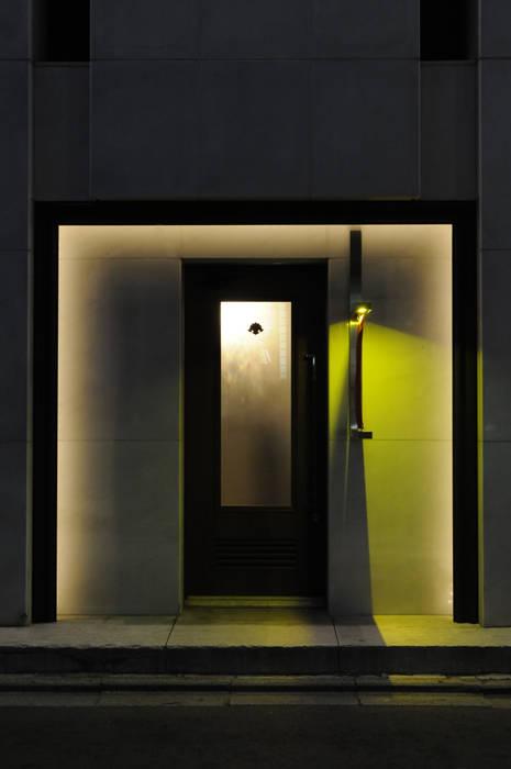 Entrance-1: Shigeo Nakamura Design Officeが手掛けたオフィススペース&店です。