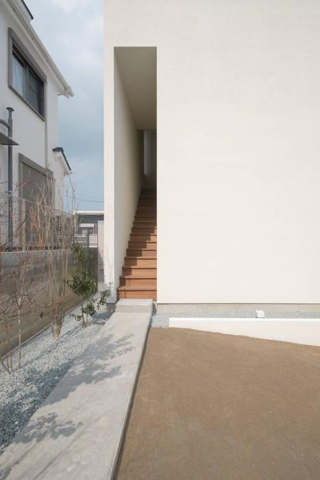 花屋敷の家 モダンな 家 の ENDO SHOJIRO DESIGN モダン