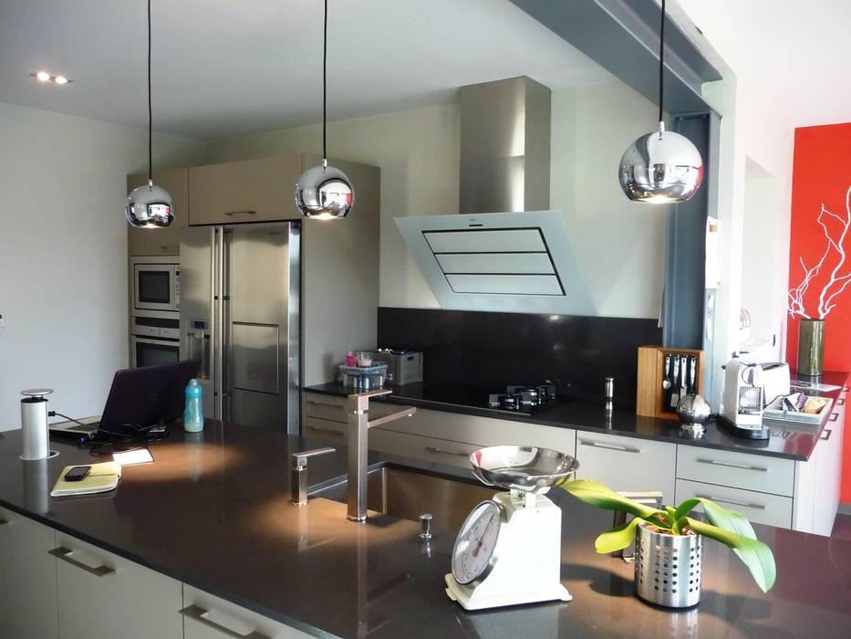 ALEXANDRA BETANCOURT ARCHITECTE Modern style kitchen