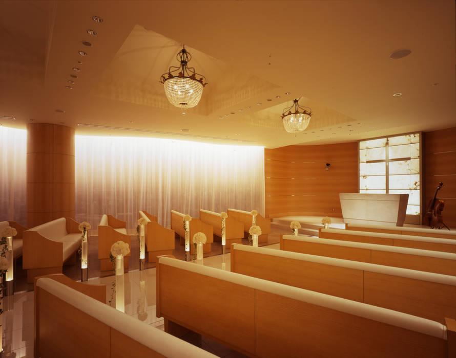 チャペル壁面-2: Shigeo Nakamura Design Officeが手掛けたホテルです。
