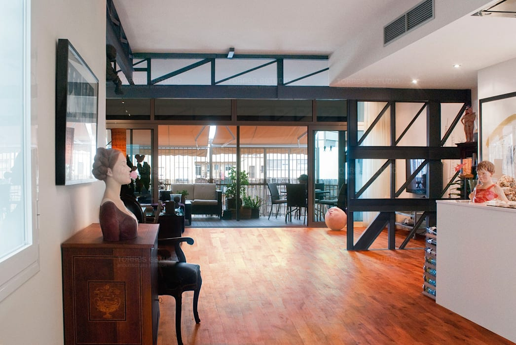 Newly created loft by Torres Estudio Arquitectura Interior Мінімалістичний