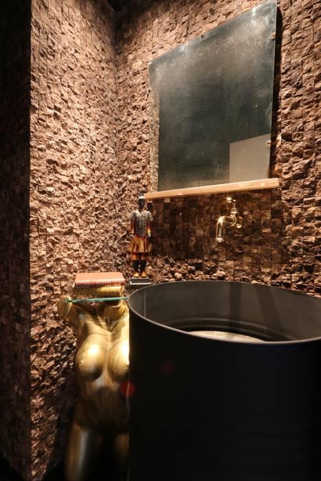 Casas de banho  por ZAAV Arquitetura