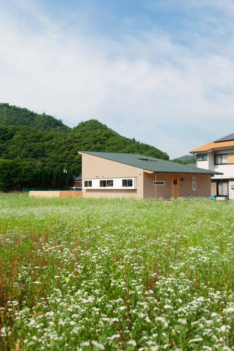 Rumah oleh 内田建築デザイン事務所