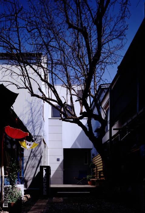 TAN 外観 オリジナルな 家 の 濱嵜良実+株式会社 浜﨑工務店一級建築士事務所 オリジナル