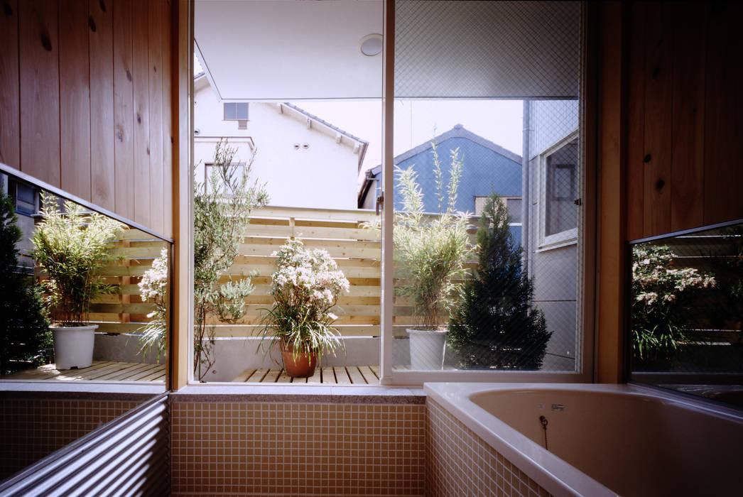TAN バスルーム 濱嵜良実+株式会社 浜﨑工務店一級建築士事務所 オリジナルスタイルの お風呂