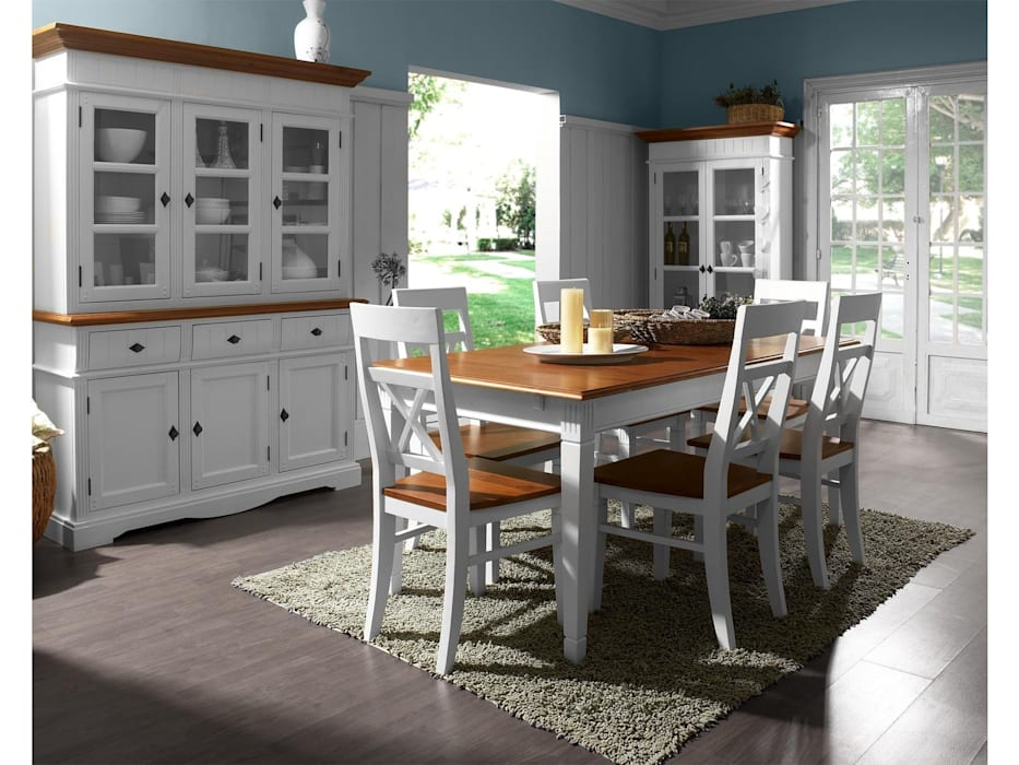 Country style dining room by massivum Country