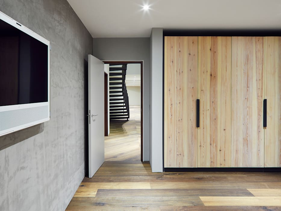 Reclaimed Wardrobe Modern style bedroom by Facit Homes Modern