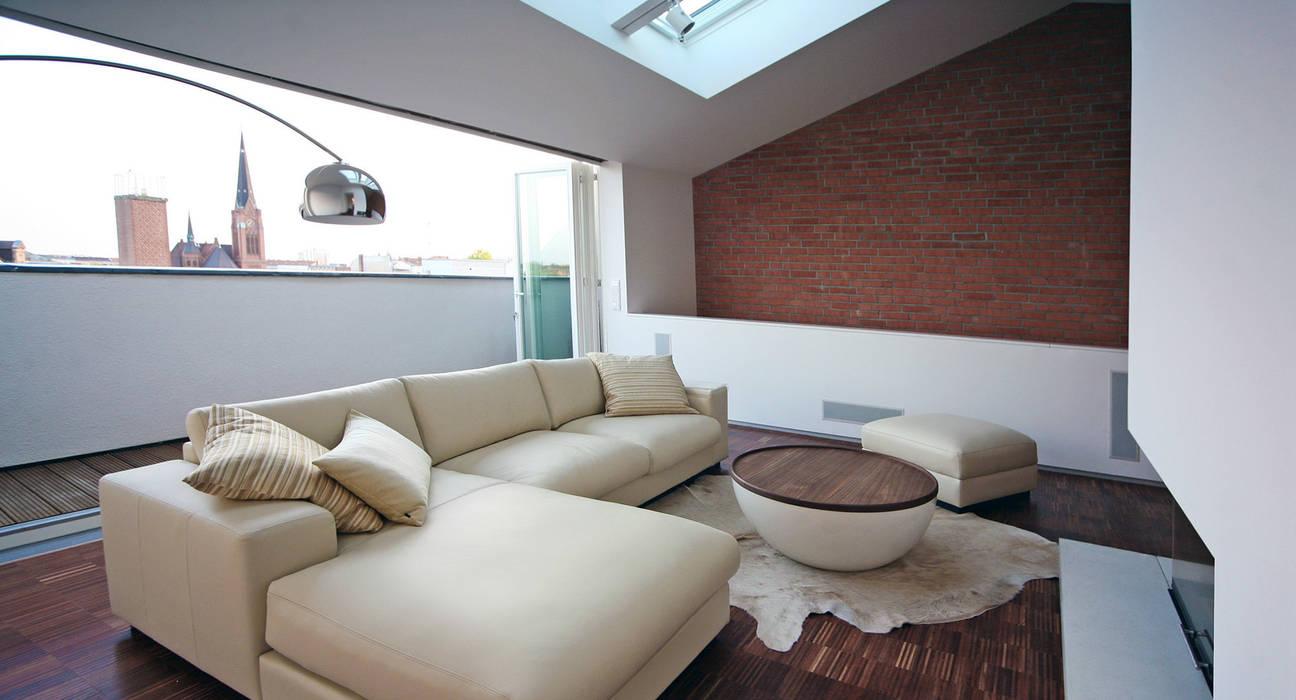 loftspace - Wohnzimmer:  Wohnzimmer von spreeformat architekten GmbH,Minimalistisch