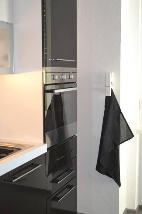 Cucina: Cucina in stile in stile Moderno di LUTOPIE Luisa Bernasconi