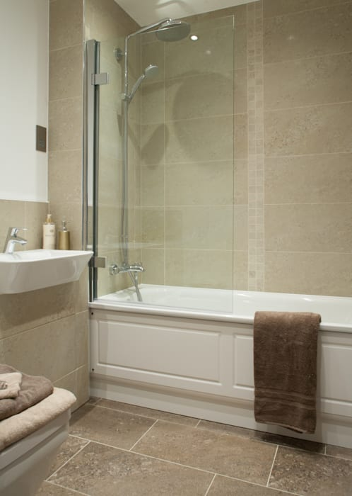 Show Flat in Ascot Modern bathroom by Lujansphotography Modern