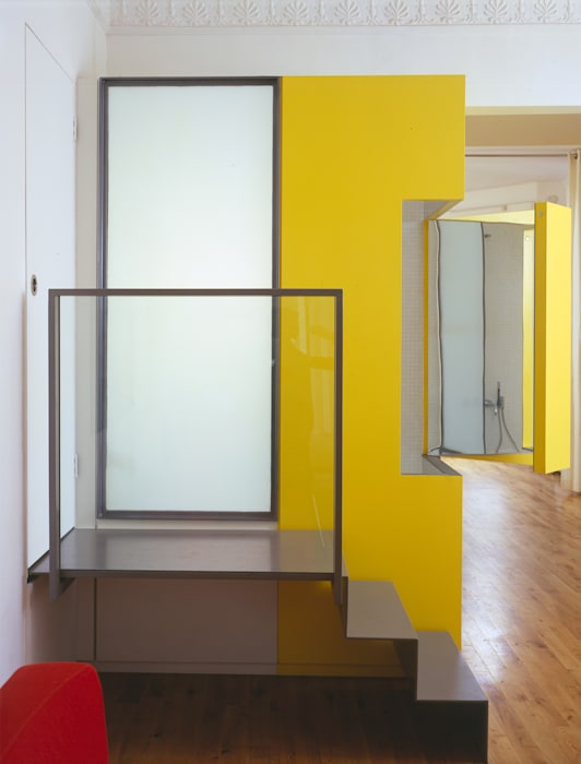 The Yellow Submarine Modern bathroom by Sophie Nguyen Architects Ltd Modern