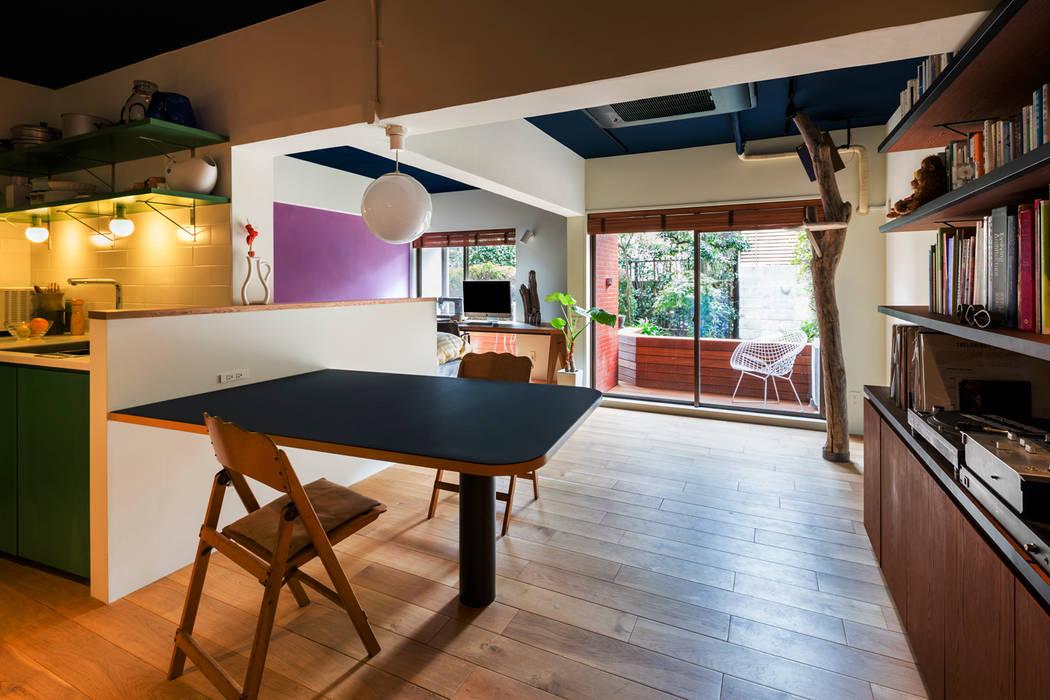 桜丘の家: Nojima Design Officeが手掛けたダイニングです。,モダン