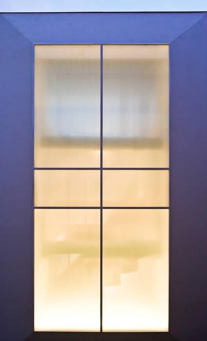 FIX窓 オリジナルデザインの テラス の 岩井文彦建築研究所 オリジナル