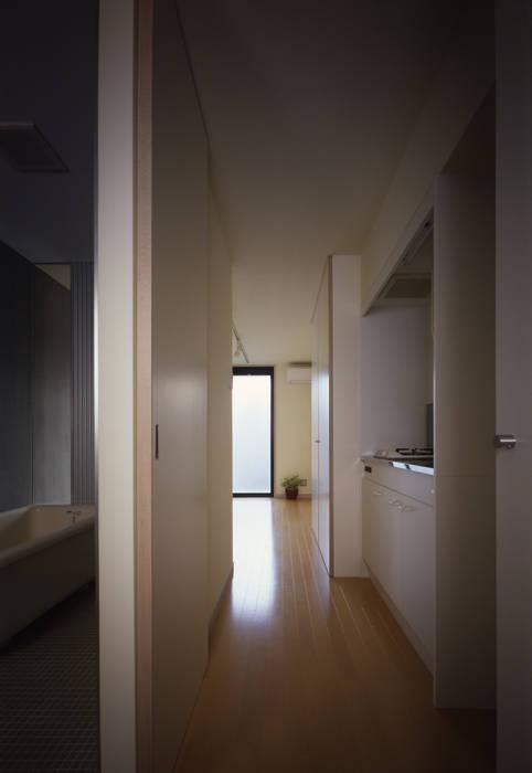 居室TYPE-A: 濱嵜良実+株式会社 浜﨑工務店一級建築士事務所が手掛けた家です。,モダン