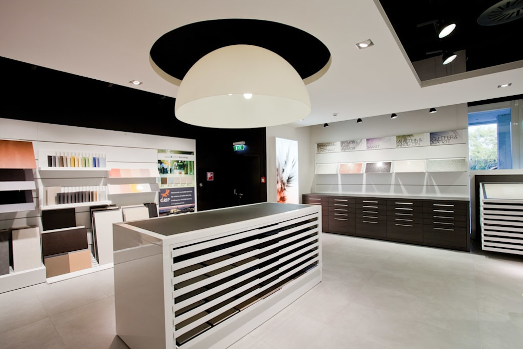Showroom Bergmann Wien - area tecnica: Negozi & Locali commerciali in stile  di Foschi & Nolletti Architetti