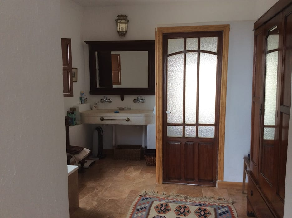 Puertas antiguas: Baños de estilo  de Anticuable.com
