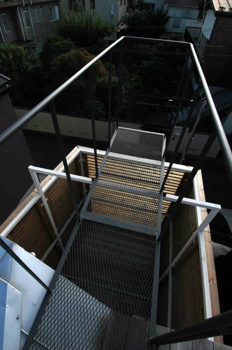 Modern balcony, veranda & terrace by M+2 Architects & Associates Modern