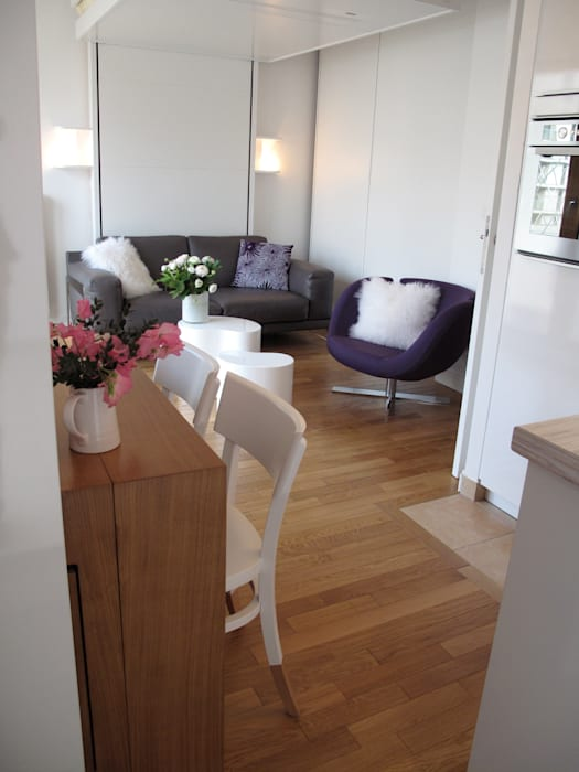 L'espace salon peut se transformer en chambre. Chambre moderne par Tout Simplement Déco Moderne