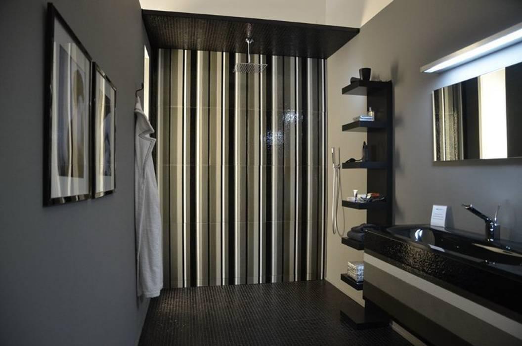 The Loft - bagno: Bagno in stile in stile Moderno di D.I. Più s.r.l - Andretto Design