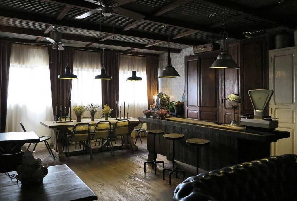 Decoración espedífica para hostelería y comercios. Francisco Segarra.: Locales gastronómicos de estilo  de Francisco Segarra