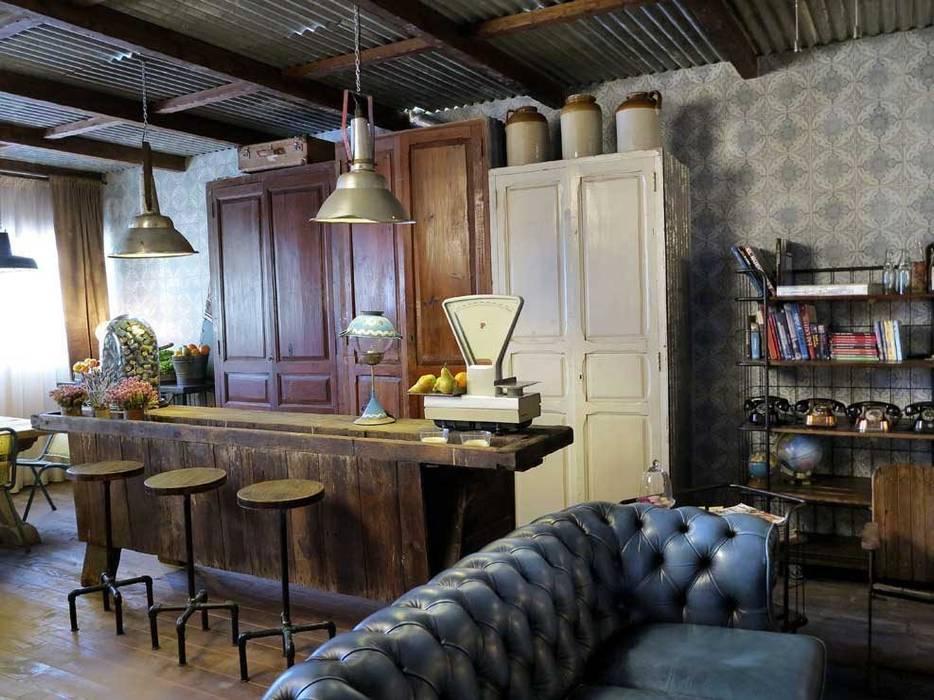 Mobiliario antiguo, recuperado de la firma Francisco Segarra. Gastronomía de estilo ecléctico de Francisco Segarra Ecléctico