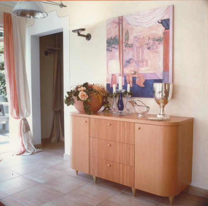 Sala da pranzo, dettaglio: Sala da pranzo in stile in stile Moderno di Studio Mingaia