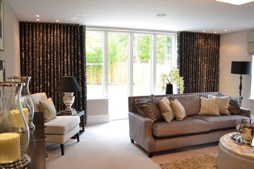 Living Room with Gorgeous Grey Fabric Salas de estilo moderno de International Soft Furnishers Moderno