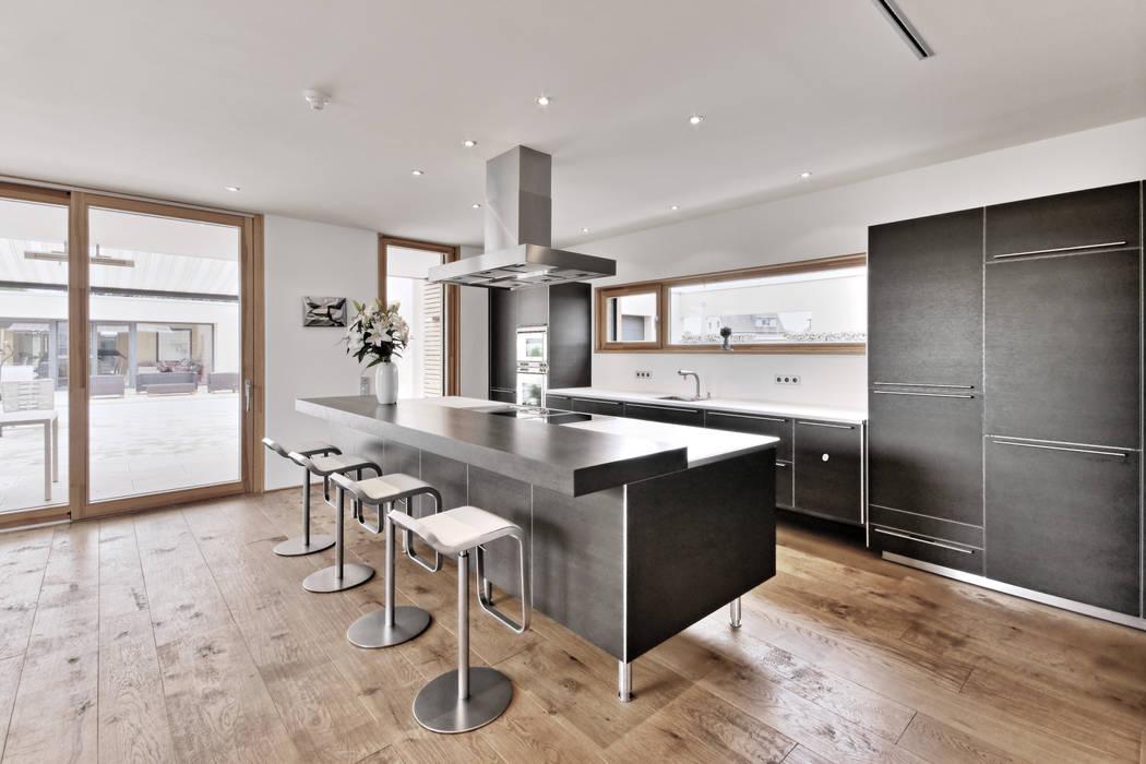 Cocinas de estilo moderno de Grossmann Architekten Moderno