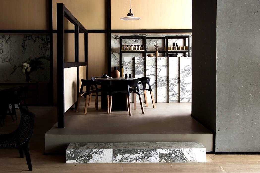 Cafeteria: Oficinas y tiendas de estilo  por Studio Marco Villa Mateos
