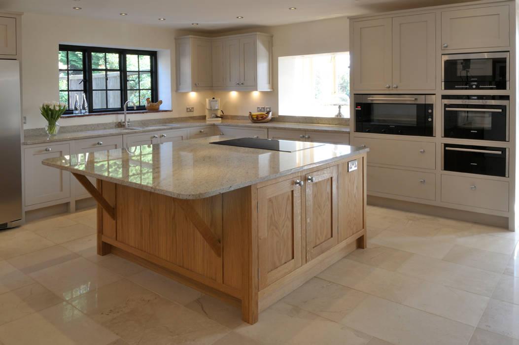 Property Renovation Hartley Quinn WIlson Limited Cucina moderna